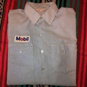 Vintage Mobil, Gas station tenant uniform